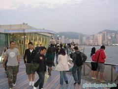 Знаменитая Гонконгская Аллея звезд