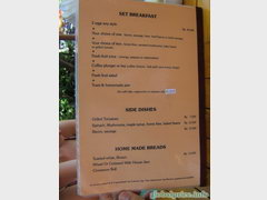 Bali cafes and restaurants prices, breakfast in a cafe