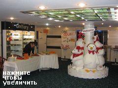 Паром Владивосток - Корея - Япония, холл 2 этажа
