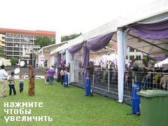Ярмарка на пощади в Куала-Лумпуре, Ярмарка на площади, везде вентиляторы