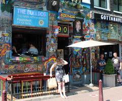 Цены в Амстердаме в кофешопе, кофешоп бульдог
