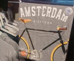 Сувениры в Амстердаме, Сувенирные футболки