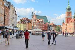 Отдых и развлеченя в Варшаве в Польше, Замковая площадь - центральное туристическое место