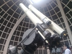 Attractions in the USA in Los Angeles, Telescope for tourists in the Planetarium