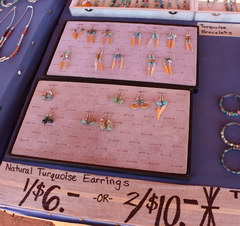 Prices for souvenirs in the USA, Earrings