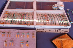 Prices for souvenirs in the USA, Bracelets