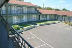 Australia Hotel Prices, Warrnambool Town, hotel Eight Spence