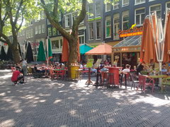 Amsterdam food and drink prices, Restaurant in the shade