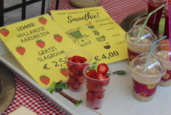 Eating cost in Amsterdam in the Netherlands, Strawberry and strawberry smoothies